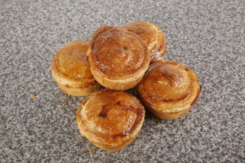 5 Individual Pork and Onion Pies